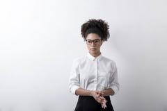 Kobieta w podstawowym odziewa Fotografia Stock