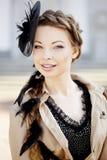 Kobieta w retro stylu w mieście Obraz Royalty Free