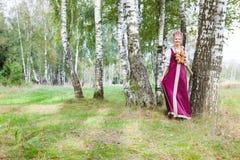 Kobieta w Rosyjskim tradycyjnym kostiumu zdjęcie royalty free