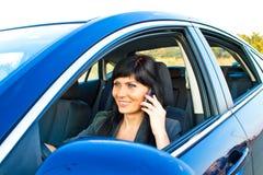 Kobieta w samochodzie obraz stock