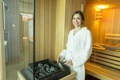 Kobieta w sauna Fotografia Stock