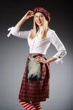 Kobieta w tradycyjnej szkockiej odzieży zdjęcia royalty free
