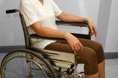 Kobieta w wózku inwalidzkim obraz royalty free