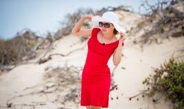 Kobieta w wieczór czerwieni sukni fotografia stock