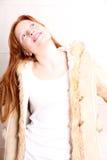 Kobieta w zimie odziewa obraz royalty free