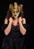 Kobieta w złotej masce Zdjęcie Royalty Free