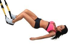 Kobieta ćwiczy z zawieszenie patkami Obraz Royalty Free
