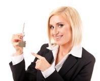 kobieta wręcza klucze Zdjęcie Stock