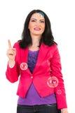 Kobieta wskazuje up z mydlanymi bąblami Zdjęcia Stock