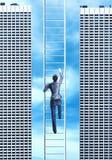 Kobieta wspina się drabinę Zdjęcie Stock
