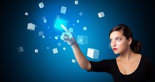 Kobieta wzruszający hologram zdjęcie royalty free
