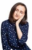 Kobieta zębu Czuciowy ból Zbliżenie Piękny Smutny dziewczyny cierpienie Od Silnego zębu bólu Atrakcyjny Żeński Czuciowy Bolesny T Obrazy Royalty Free