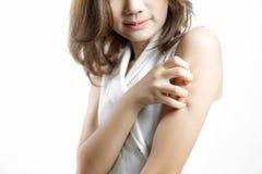 Kobieta z alergii skórą Obrazy Stock