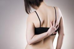 Kobieta z backache Ból w ciele ludzkim obrazy stock