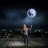 Kobieta z balonem Obrazy Royalty Free