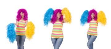 Kobieta z colourful peruką odizolowywającą na bielu Obraz Stock