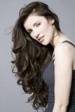 Kobieta Z Długim Brown Falistym włosy fotografia royalty free