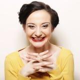 Kobieta z dużym szczęśliwym uśmiechem Fotografia Stock
