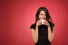 Kobieta z filiżanką kawy zdjęcia royalty free