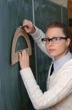 Kobieta z kątomierzem blackboard Fotografia Stock