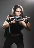 Kobieta z karabinem Zdjęcia Stock