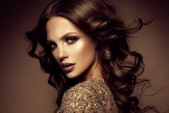 kobieta z kijem Splendoru portret piękny kobieta model z świeżym makeup i romantyczną fryzurą obraz stock