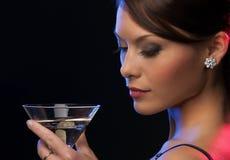 Kobieta z koktajlem zdjęcie royalty free