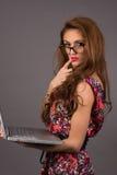 Kobieta z komputerem Fotografia Royalty Free
