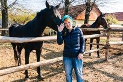 Kobieta z koniem Zdjęcia Royalty Free