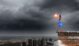 Kobieta z lampionem Obrazy Royalty Free