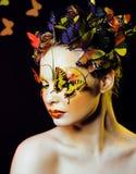 Kobieta z latem kreatywnie uzupełniał jak czarodziejski motyli zbliżenie Fotografia Stock