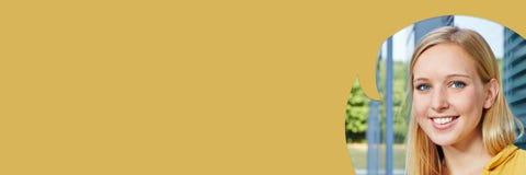 Kobieta z mowa bąbla tłem Obrazy Royalty Free