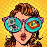 Kobieta z okularami przeciwsłoneczne wystrzału turntable i wewnątrz odbijamy royalty ilustracja