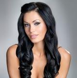Kobieta z pięknem długie włosy Zdjęcie Royalty Free