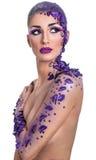 Kobieta z pięknym włosianego stylu i sztuki abstrakta makijażem Zdjęcie Royalty Free