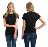 Kobieta z pustą czarną koszula i długie włosy Fotografia Stock