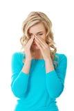 Kobieta z sinus naciska bólem zdjęcie stock