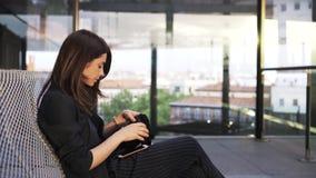 Kobieta z Smartphone zdjęcie wideo
