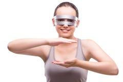 Kobieta z techno szkłami na bielu zdjęcia stock