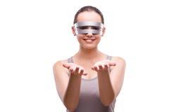 Kobieta z techno szkłami odizolowywającymi na bielu Obrazy Royalty Free