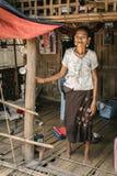 Kobieta z twarzowymi tatuażami w Myanmar obraz royalty free