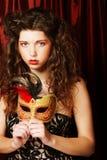 Kobieta z venetian maskaradową karnawał maską Zdjęcia Stock