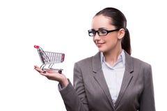 Kobieta z wózek na zakupy odizolowywającym na bielu Obraz Royalty Free