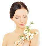Kobieta z wiosna okwitnięciem, zdroju pojęcie Fotografia Stock