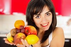 Kobieta zaczyna dietę Zdjęcia Royalty Free
