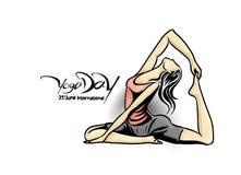 Kobiety ćwiczy joga pozę - 21st Czerwa joga międzynarodowy dzień Fotografia Royalty Free