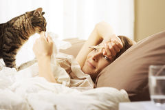 Kobiety łgarska choroba w łóżku Zdjęcie Royalty Free