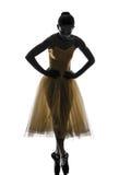 Kobiety baleriny baletniczego tancerza dancingowa sylwetka Obrazy Stock