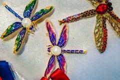Kobiety biżuteria robić podstawowi metale, szkło i miękka część materiały, zdjęcie royalty free