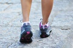 Kobiety biegacza nogi Zdjęcia Stock